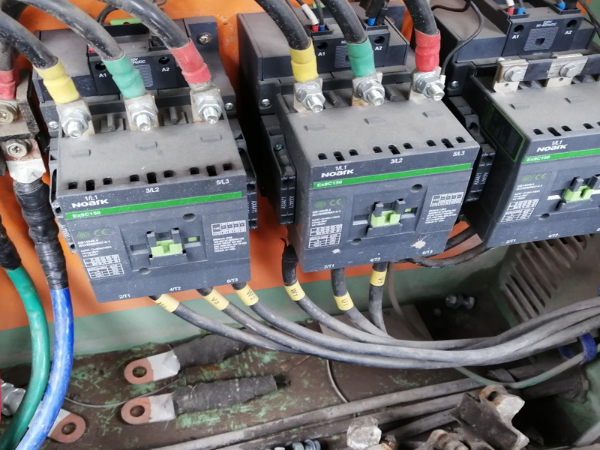活塞空压机交流接触器经常烧坏怎么回事